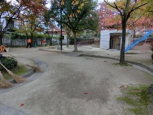 公園清掃リポート ~燃える秋~