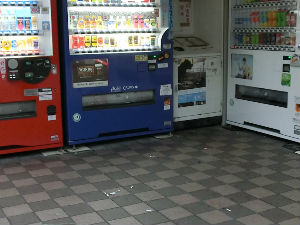 本通り清掃リポート ~シャッター掃除はダメ!~