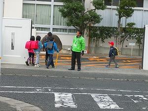 通学路清掃リポート ~温かみのある光景~