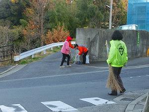 通学路清掃リポート ~子どもの姿が見えず~