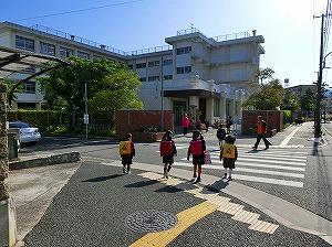 通学路清掃リポート ~雑草が初夏を告げる~