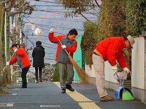 通学路清掃リポート ~校門に出迎えの姿なし~