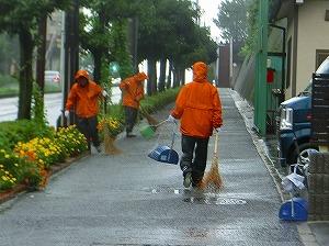通学路清掃リポート ~雨の原爆記念日~