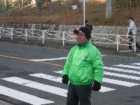 通学路清掃リポート ~見守り隊のおじさんも冬支度~
