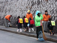 通学路清掃リポート ~雨上がりは久しぶり~
