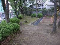 公園清掃リポート ~桜が萌黄色に衣替え~
